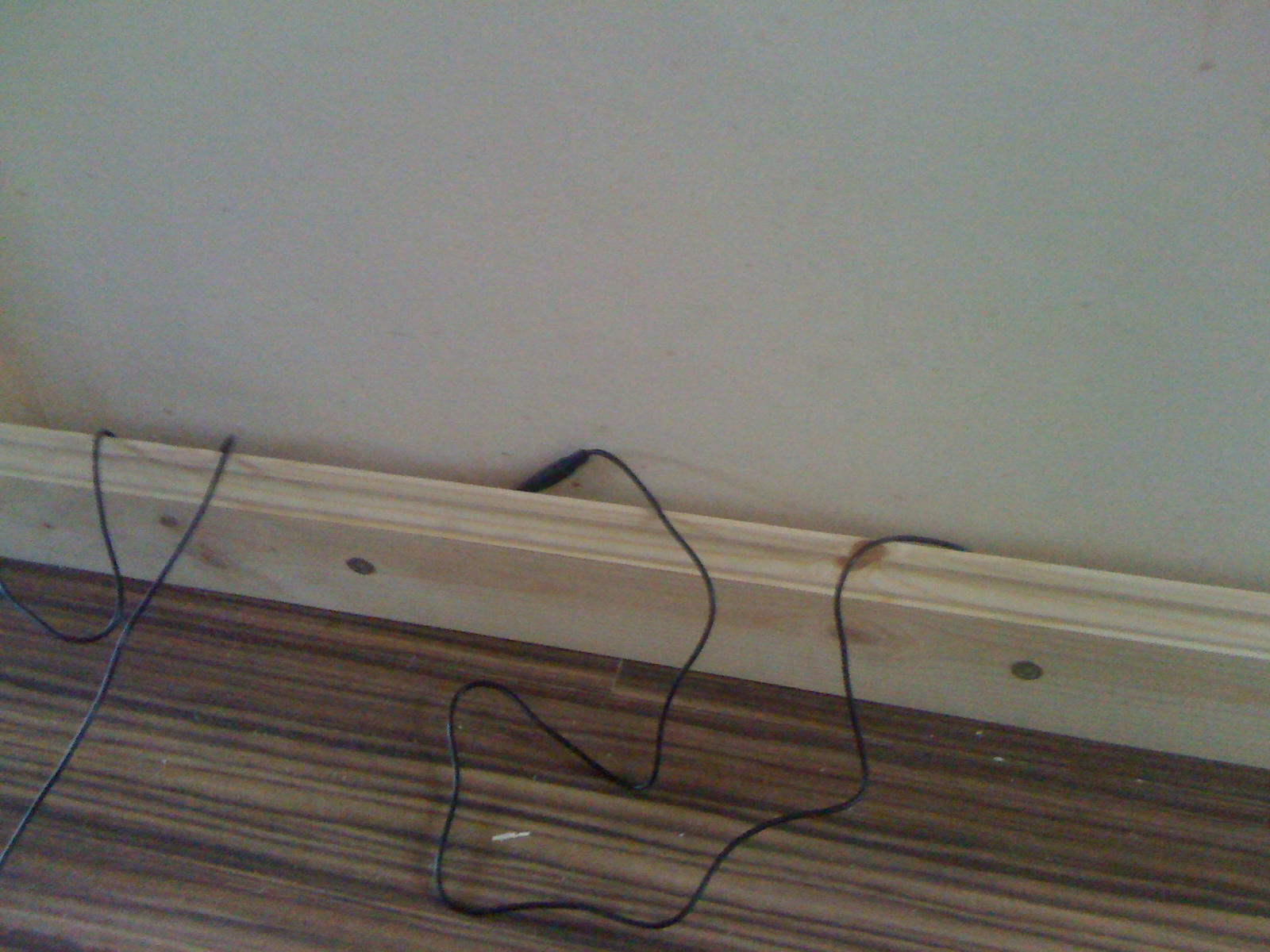 Magnificent Wiring Behind Skirting Boards Basic Electronics Wiring Diagram Wiring Cloud Hisonuggs Outletorg