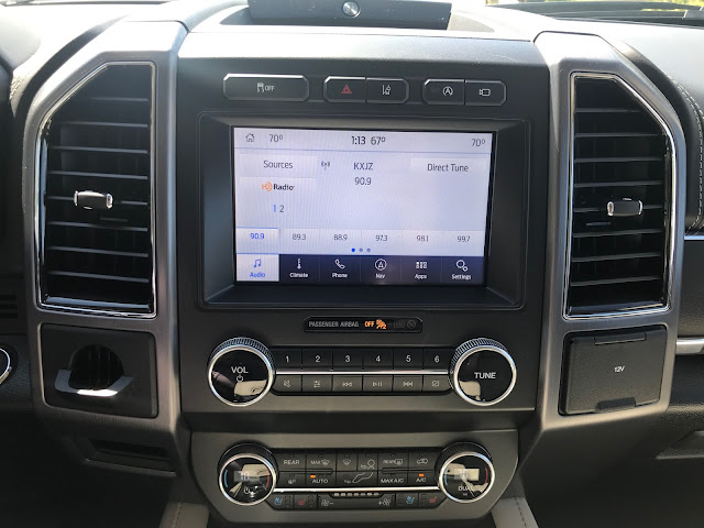 Infotainment screen in 2020 Ford Expedition Platinum