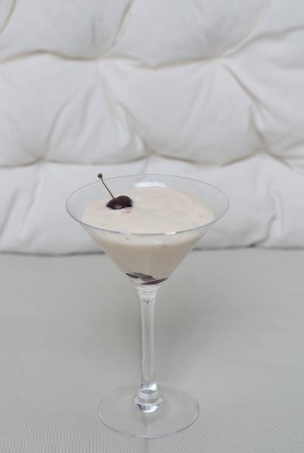 Budinca de vanilie cu visine