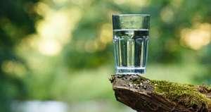 Air putih dapat menyehatkan tubuh secara alami
