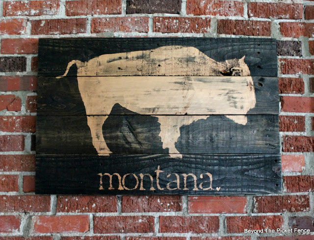 pallet sign, Montana, bison, copper paint, fusion mineral paint, http://bec4-beyondthepicketfence.blogspot.com/2016/06/montana-bison.html