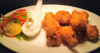 Serving fried chicken wings with sauces for fried chicken wings recipe