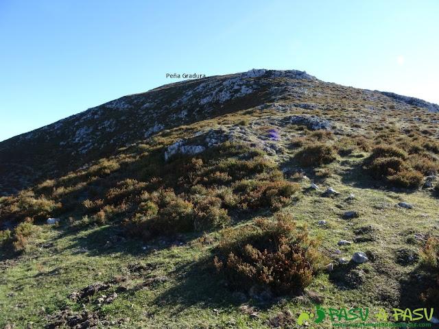 Últimos metros de ascensión a Peña Gradura