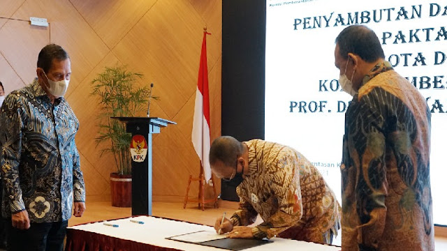 Indriyanto Seno Adji Resmi Dilantik Jadi Dewan Pengawas KPK