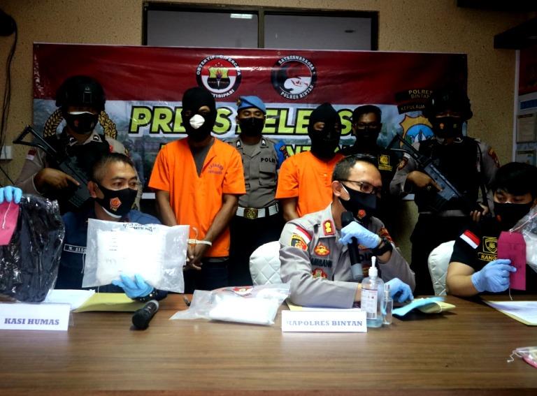 Polres Bintan Amankan Sabu 2 Kg dan Puluhan Pil Ecstasy dari Malaysia Tujuan NTB