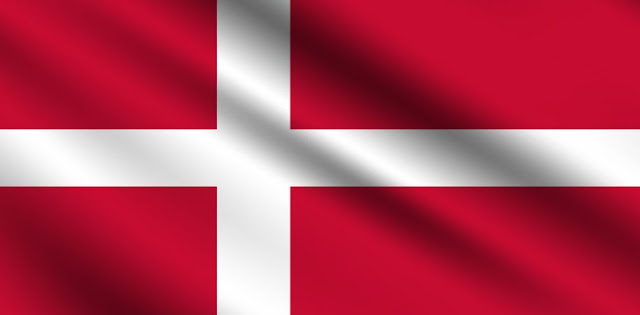 Which country holds the Guinness World Record for the oldest continuously used national flag?