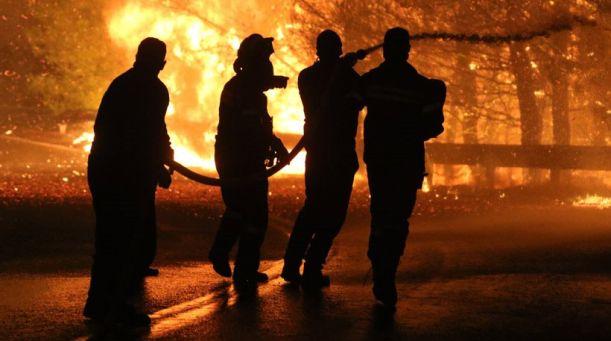 Πρωτοφανές μπλοκάρισμα!- Εποχικοί πυροσβέστες: Θέλουμε να πάμε στις φωτιές αλλά δεν μας αφήνουν!