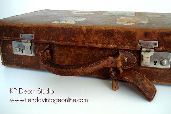 Comprar maletas originales de piel y pegatinas antiguas