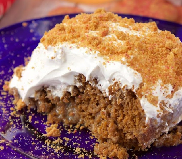 Gingerbread Poke Cake #cake #desserts