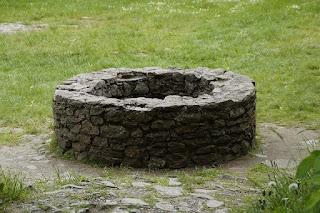 कुआं घिसका। Bacchon ki kahani. The well.