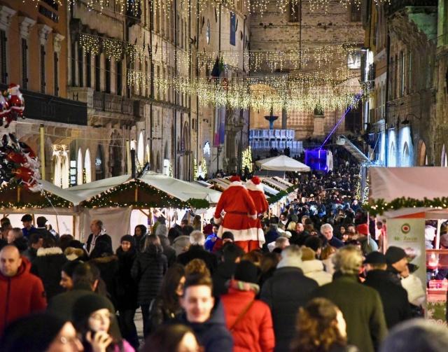 mercatini-di-natale-perugia-corso-vannucci-poracci-in-viaggio