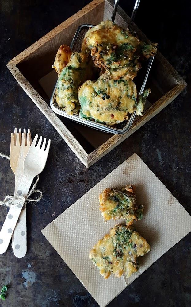 Cocinando con neus bu uelos de kale con chesse blue for Cocinando 1000 huevos
