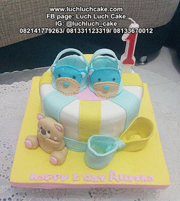 One Years Old Birthday Fondant Cake