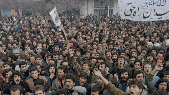 USA: File declassificati rivelano il doppio gioco nelle relazioni con l'Iran rivoluzionario fin dal primo giorno