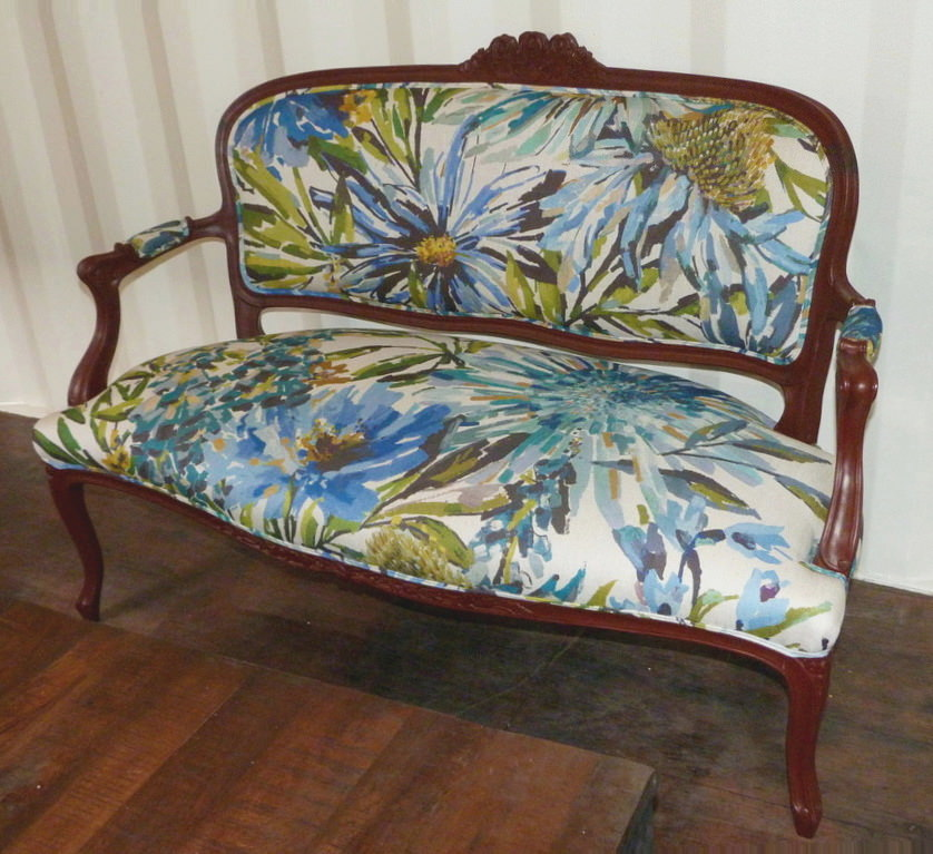 sofa-antiguo-tapizado