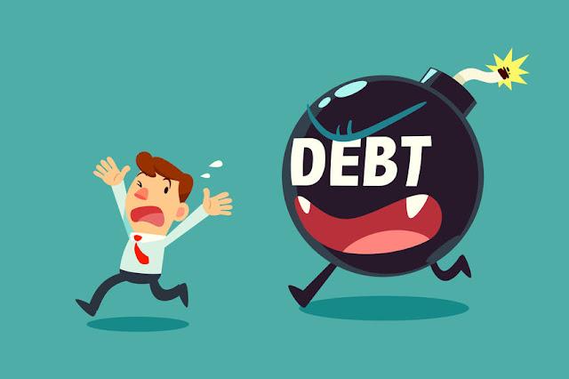 申請破產是由於欠債人無力償還債項。債權人可向欠債人發出一份 法定要求償債書,如 3 星期後,欠債人仍無力償還債項, 債權人便可向法庭申請欠債人破產。如欠債人不能提出合理的反對理由 , 或雙方不能達成和解,法庭便會向欠債人頒布破產令。