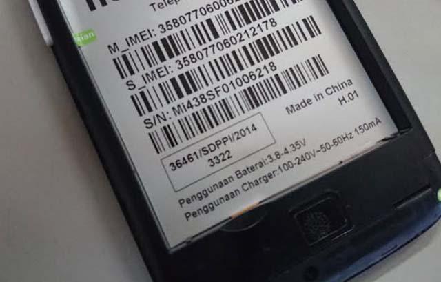 Pada Bagian Belakang HP atau baterai - Cara Cek IMEI HP dengan mudah