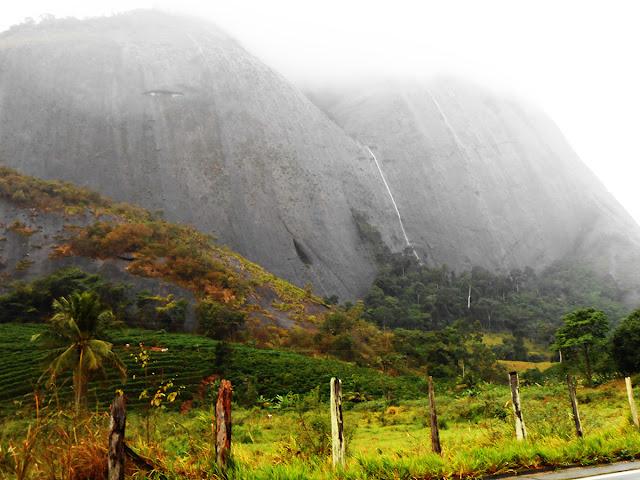 Cachoeira pluvial. Foto Gilson Soares, 2014.