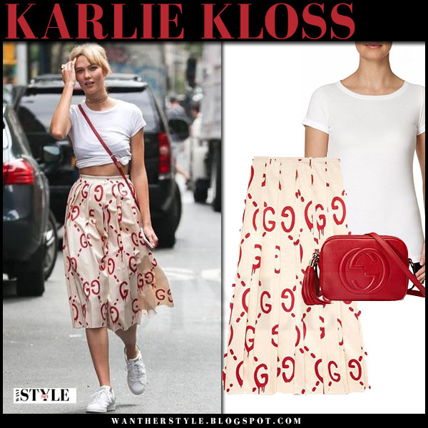 Karlie Kloss in white t-shirt, cream red print gucci guccighost midi skirt and white sneakers what she wore streetstyle