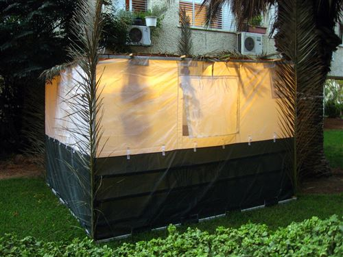 Unique Pictures Of Sukkot Huts