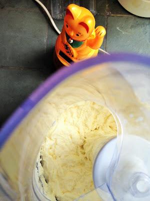 faire du beurre, faire du fromage, laiterie de paris, fait maison, faire du beurre maison, fabrication beurre, blog fromage, blog fromage maison, beurre aromatisé, faire du beurre mixeur
