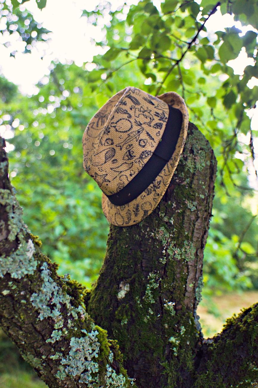55€ Altglasausrüstung — Zum Tagesabschluss — Hut an den Nagel, ähm Baum gehängt