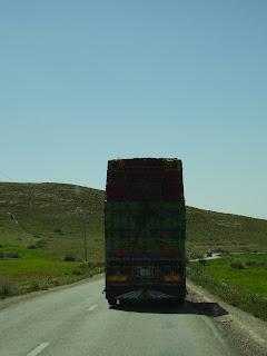 Camión en una carretera de Marruecos