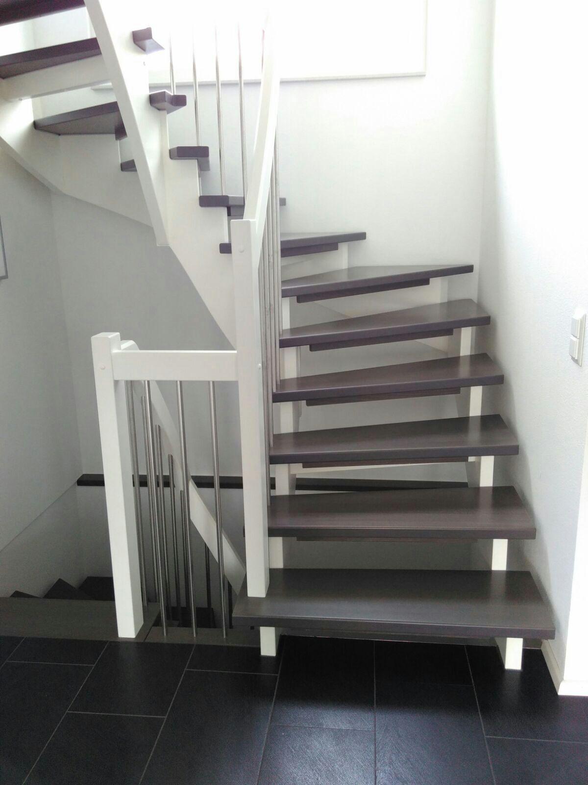 der traum vom haus wir bauen schon an und aufl sung bodenbelag und treppe. Black Bedroom Furniture Sets. Home Design Ideas