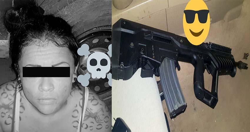 """Capturan a mujer sicaria integrante de """"Los Escorpiones de Matamoros"""" del CDG, portaba un moderno fusil de origen israelí"""