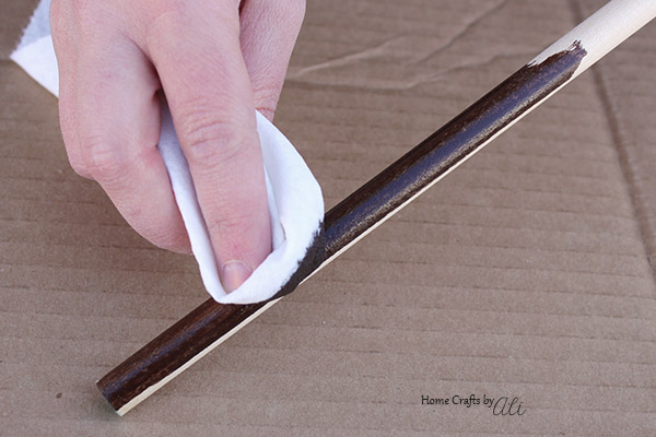 Follow this 3 step tutorial to make cute broomstick decorations