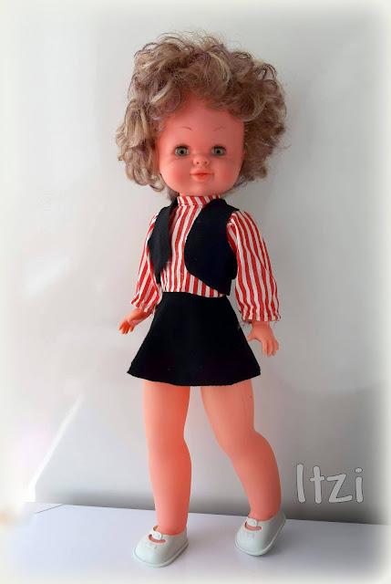 Muñeca Bambinela de Esvi colegio