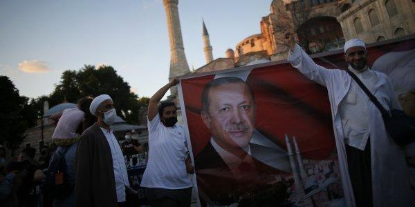 Ερντογάν για την Αγία Σοφία: Ήσουν πάντα δική μας κι εμείς δικοί σου