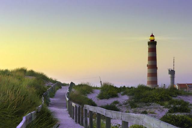 Praia da Barra Lighthouse, Portugal - Photo by Paulo Resende on Unsplash