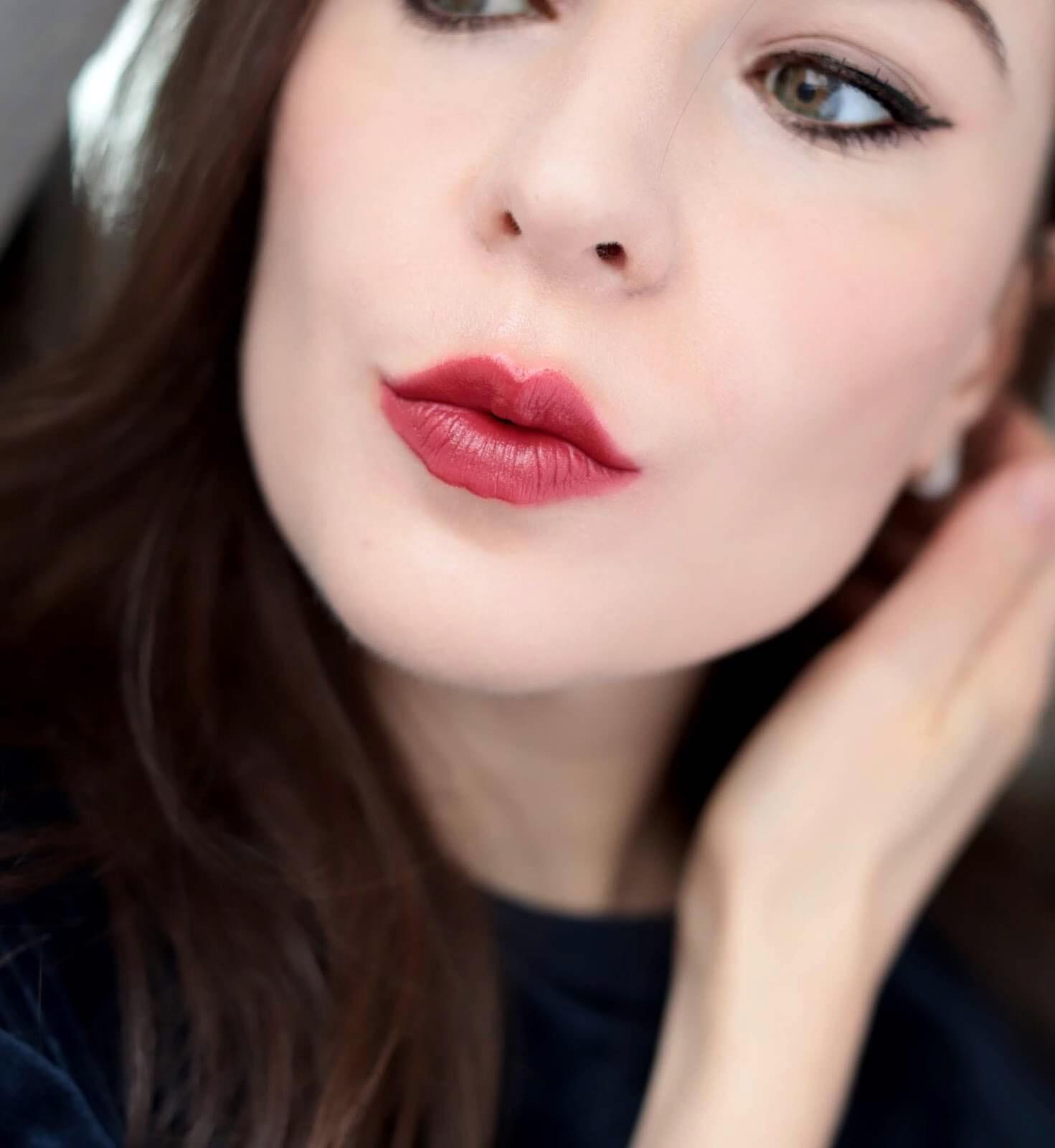 Chanel Rouge Allure 627 Camélia Carmin revue