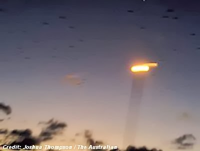 Student Doctor Snaps Pic of UFO Over Douglas (Australia) - November 2013