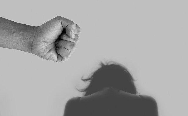 Violência doméstica e abuso