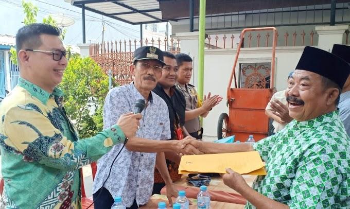 Lurah Angke Mengesahkan 14 Ketua Rukun Tetangga (RT) Di Peremajaan RT Wilayah RW.06 Angke