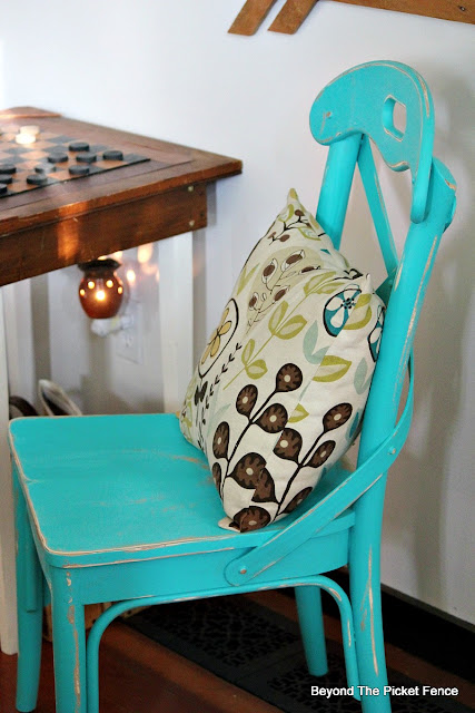 fusion mineral paint, turquoise paint, fusion mineral paint, chair, thrift store find, https://goo.gl/Jlx9EA
