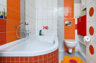 Baño color naranja