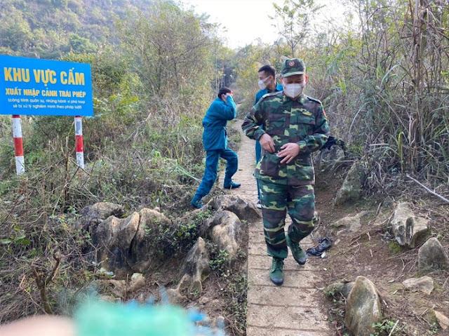 Dân quân và Bộ đội biên phòng canh chừng dịch corona ở biên giới