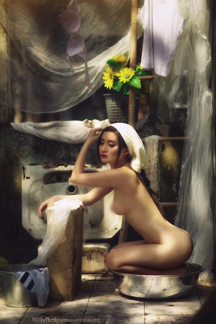 Hot girls Vietnamese girl nude washing clothes 10