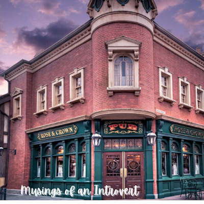 The Rose & Crown Pub located in Epcot's UK