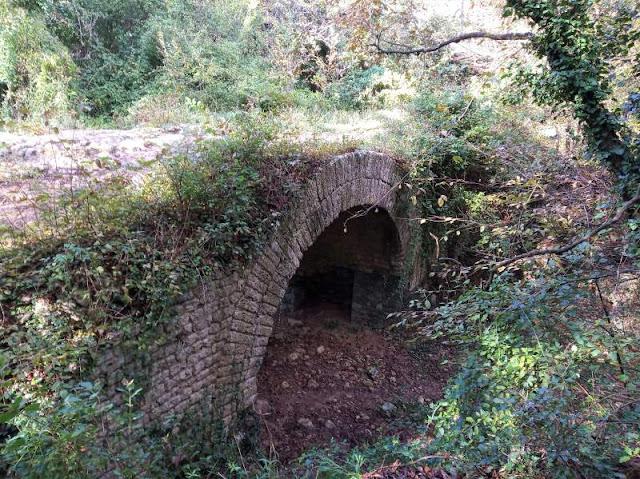 ponte romano nella valle del Rio Ponci