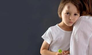 عند ارتطام رأس طفل بجسم صلب.. ما هو التصرف الصحيح؟