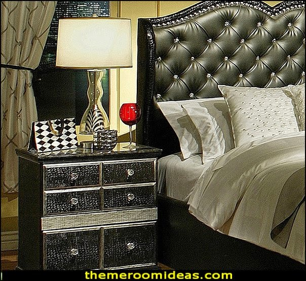 Hollywood Glamour Queen Bed and Nightstands Set