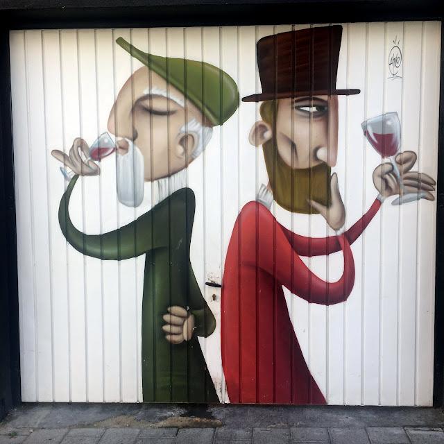 Puerta de garaje de catadores de vino