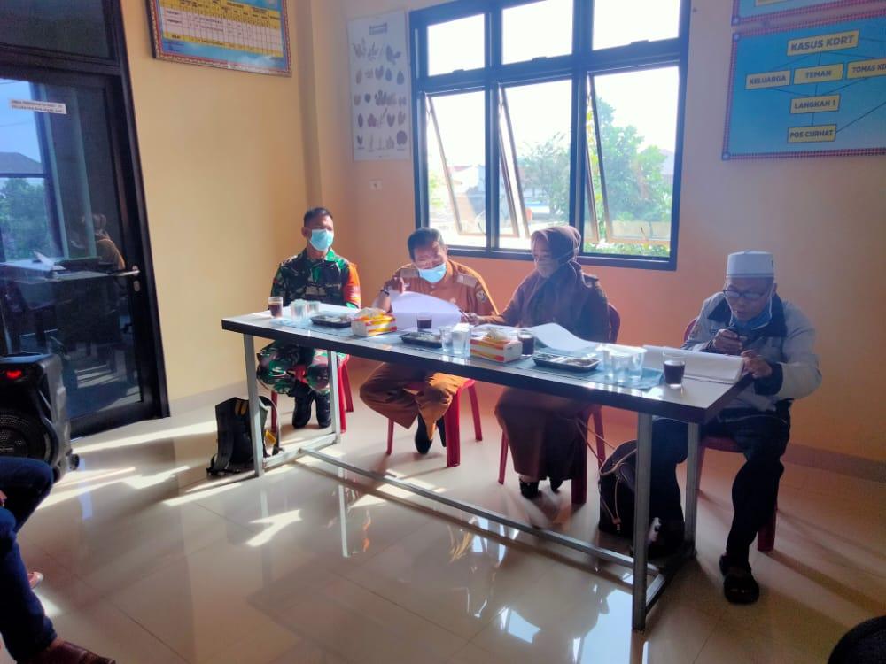 Babinsa Koramil 410-01/Panjang Kodim 0410/KBL Kopda Yayan menghadiri kegiatan musyawarah rencana pembangunan Tahun 2022 di tingkat kelurahan sukarame baru