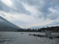 lago atitlan viaggio in solitaria