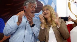 """El gobernador de San Luis, Alberto Rodríguez Saá, y la intendente de La Matanza, Verónica Magario, compartieron un acto en San Justo y abogaron por """"la unidad del peronismo"""" en las elecciones."""