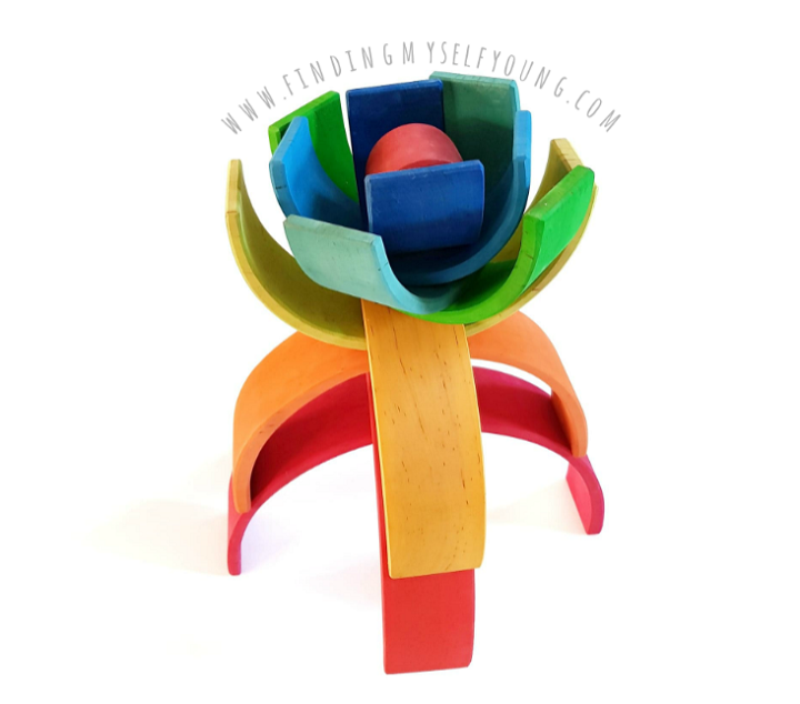 Grimms rainbow 3D flower sculpture